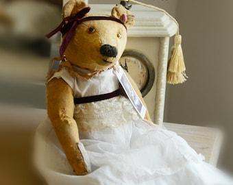 SOLD - Abbey- Balance Gauil Antique  Teddy bear  - English Antique Teddy bear 1930/40 98