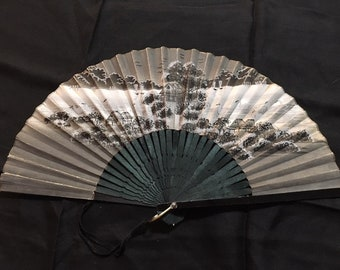 Antique Japanese Export Scenic Hand Painted Paper Hand Fan Carved Wood Sticks Victorian Estate Geisha Maiko