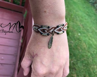Bracelet with cute feather