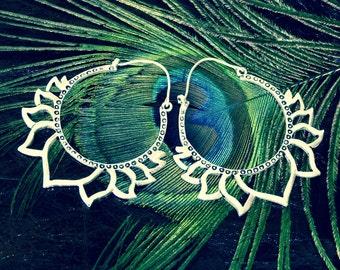 Boucles d'oreilles Lotus plaquées argent/Lotus earrings silver plated/Lotus flower