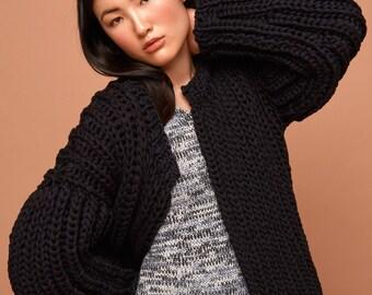 bomber jacket, black, SABRINA WEIGT, knitwear, cotton, knitted bomber jacket, chunky knit, oversized knit, cardigan, black bomber jacket
