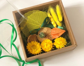 "Gifting box. Eco friendly Box for a gift. 15x15 cm 6x6"" Gift wrapping Green & yellow Favor gift packaging box with lid. Made of honor set"