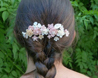 Bridal or guest headdress with flowers in shades of porcelain nude, bridal peinecillo, bridal comb, Peinecillo, porcelain headdress