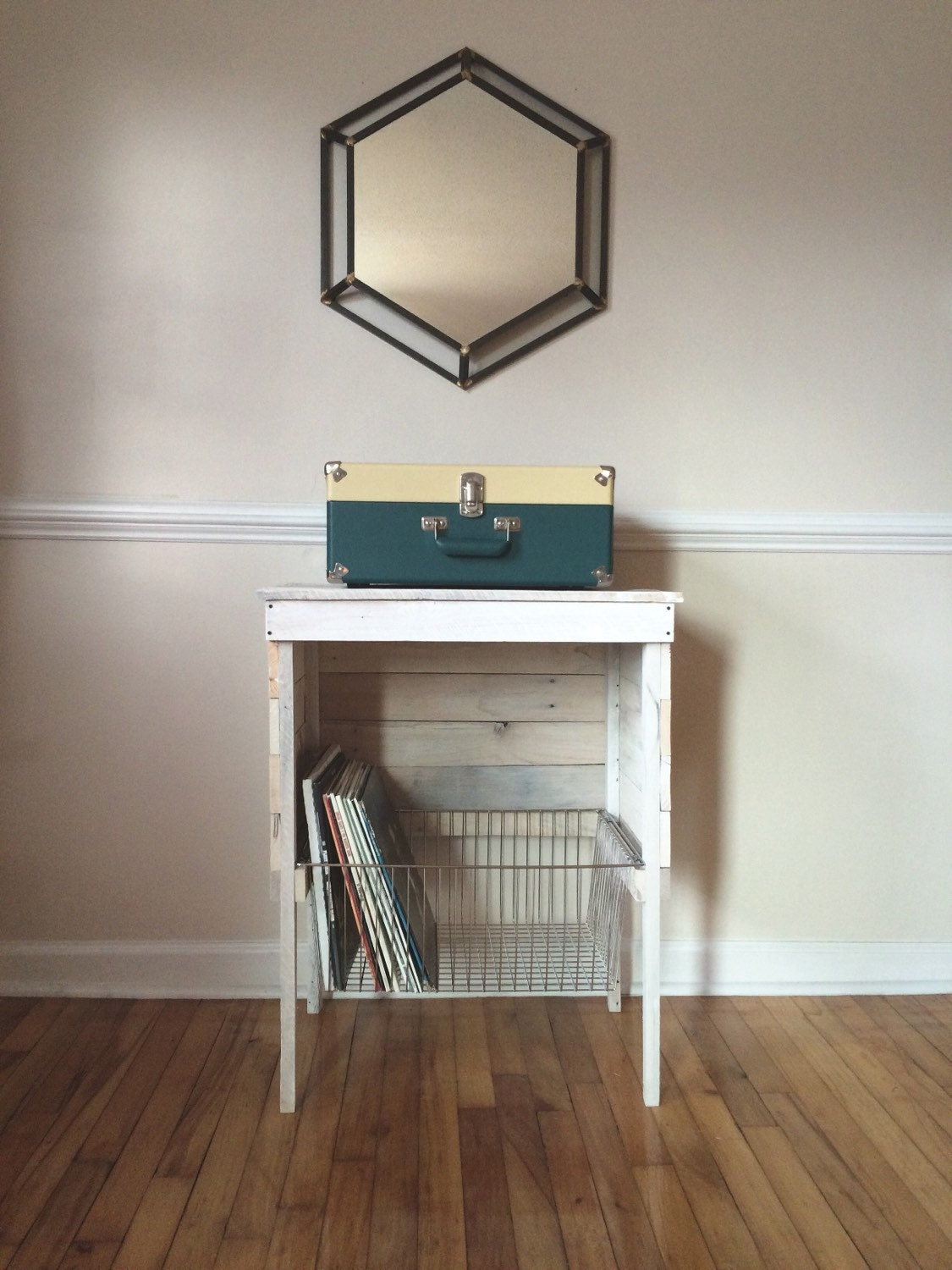 white washed reclaimed record player storage stand - 🔎zoom
