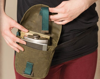 Kaki green waxed canvas hip pouch. Army green fanny pack. U-Lock holster.
