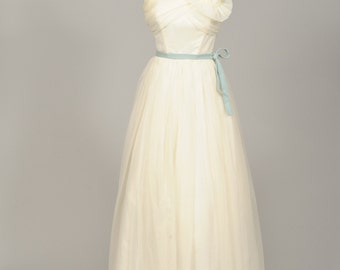 1950 Magnolia Vintage Wedding Gown