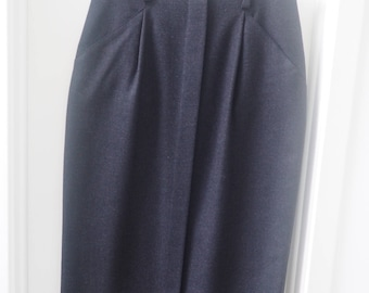 Vintage 80s Straight / Pencil Skirt • Midi Length • High Waisted 100% Soft Wool • Charcoal Gray • Behar New York • Made in USA • Lined