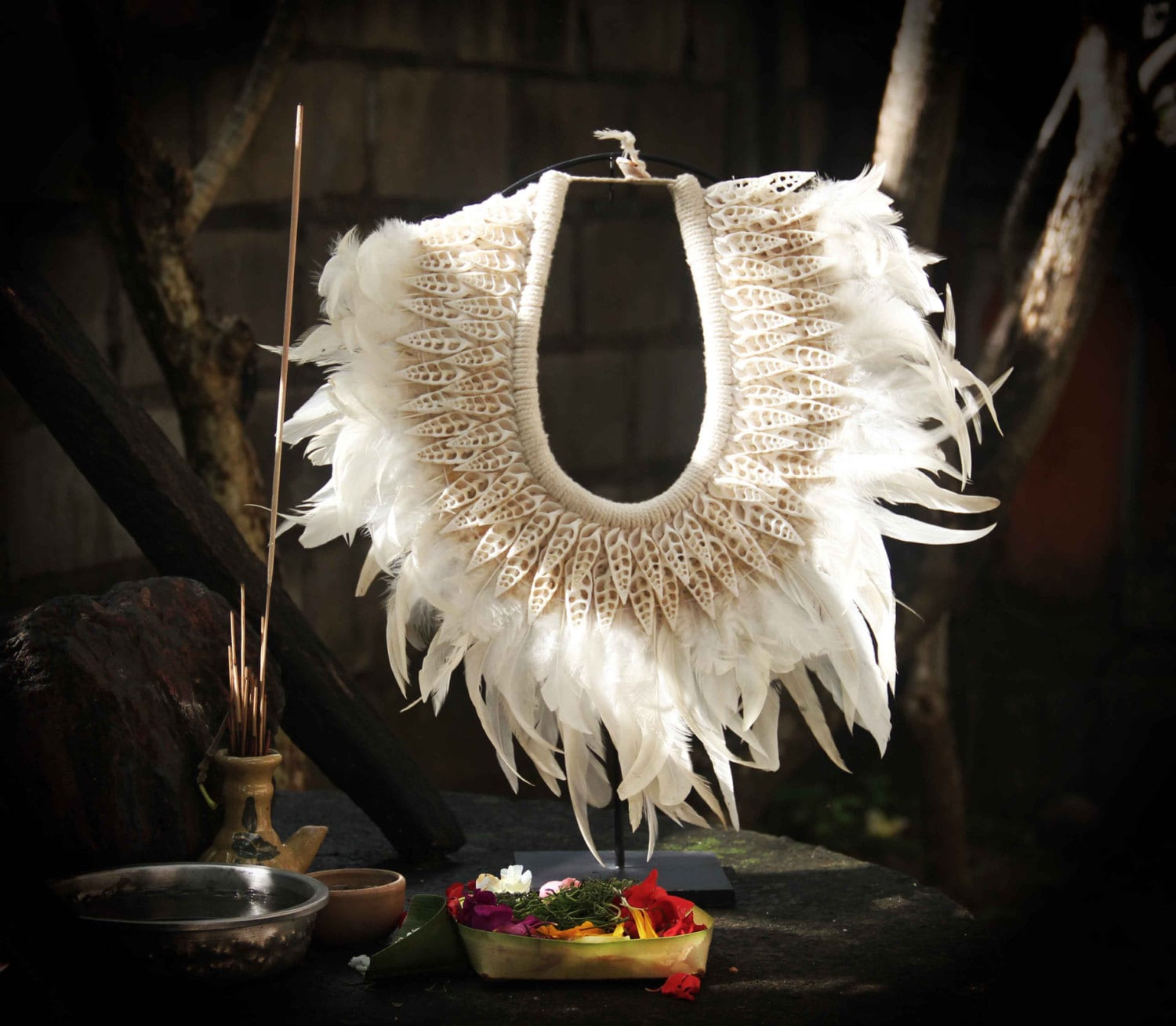 traumspuren galery necklace large saveenlarge feathered feather