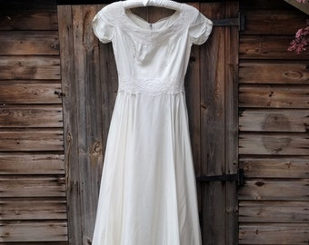 Short 1950s Vintage Wedding Dress