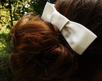 Bridal Comb Bow