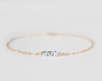 Beaded Bracelet - Sweet Pea - Metallic Silver