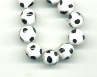 2 beads 12 mm glass white black spots