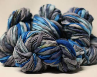 Hand Spun Thick and Thin Yarn Bulky Wool Slub Hand Dyed tts(tm) Variegated SAF17001