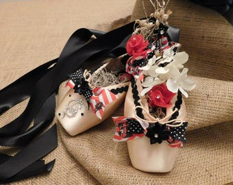 Texas Tech Decorated Pointe Shoe