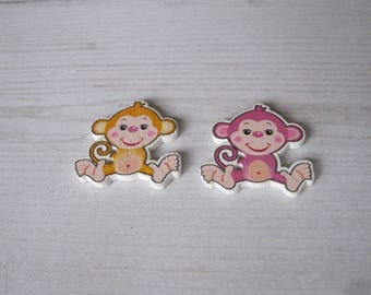 "Set of 2 ""monkey fun"" wooden buttons"
