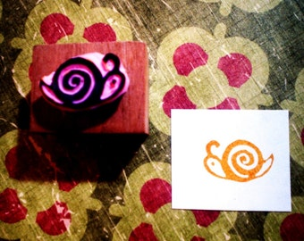 Mini snail rubber stamp//hand carved and hand crafted