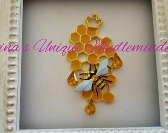 Queen Bee Hive Needle Minder