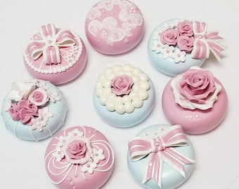 Mini cakes for centerpiece  of party decor or special gift