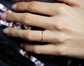 Thin Gold Diamond Ring, Diamond Band, Diamond Ring, Five Diamond Ring, 5 Diamond Wedding Band, Minimalist Diamond Ring, MinimalVS