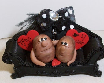 Couch Potatoe Valentine love: Polymer clay potato lovers