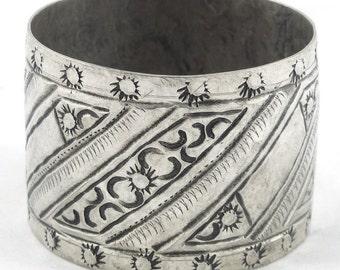 Old, vintage, Moroccan silver Berber bangle engraved Bracelet. Free shipping worldwide!