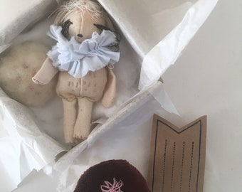 Little Lamb. a special gift set. handstitched goodness. Pop in your pocket and go on adventure