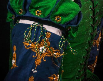 Forepart & Detachable Sleeves, Renaissance, Tudor, Elizabethan, Custom Embroidered - MADE TO ORDER (Includes Fabric)