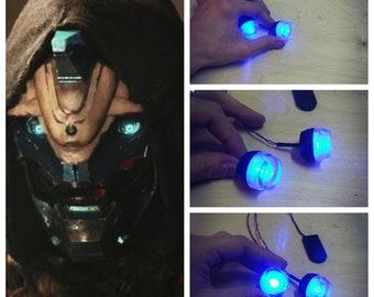 Cosplay destiny 2 Cayde-6 glowing eyes