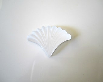 Clear Frosted Acrylic Fan White Frosted Scallop Fan Clear Fan Clear Frosted Scallop Cabochon 29x21mm (1 pc) 28AV8