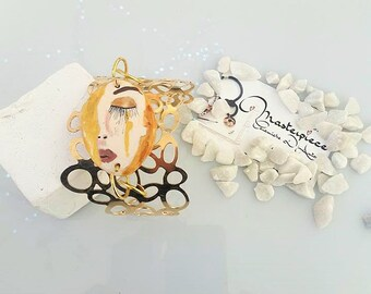 hand-painted brass and ceramic bracelet with Freyja's tears, Freyja's Tears, mythological jewelry, hand-painted jewelry, artistic jewelry