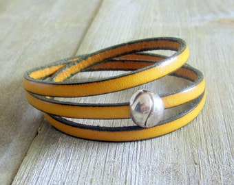Bracelet leather yellow 3 turns of wrist, clasp magnetic silver plated ball