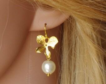 Gold orchid earrings Pearl jewelry Bridesmaids gift Flowers earrings Bridal earrings Wedding earrings Mothers day gift for mom sister women