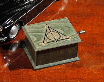 Harry Potter Deathly Hallows music box oil green -  music box