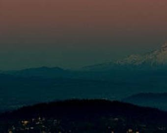 Moonrise w/ Mt Hood