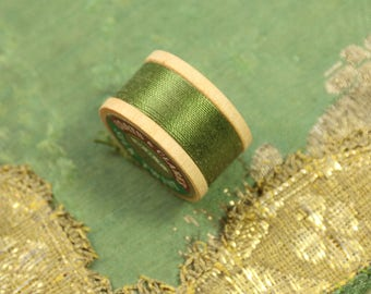 1 vintage pure silk buttonhole twist shade 164   a thread spool olive green shade 10 yards size D Coats clark