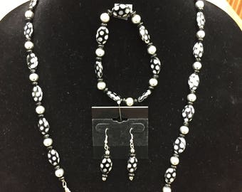 """Black and Silver 28"""" Beaded Necklace Bracelet & Earring Set"""