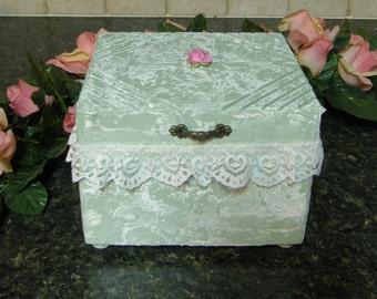 Gorgeous handcrafted wood keepsake box!