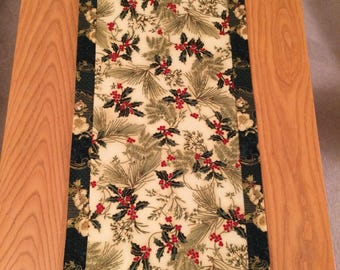 Christmas Holiday Holly Ivy Table Runner