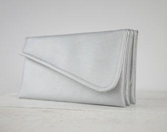 Simple silver clutch | simple silver bridesmaid clutch | simple silver wedding clutch