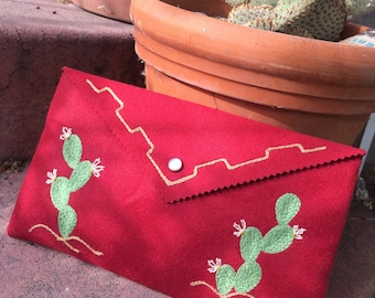 Chainstitch embroidered Cacti clutch purse!