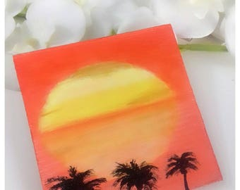 Sunset Mini-Square. Painted on sunset Wood reflected on the sea. Mini Framework