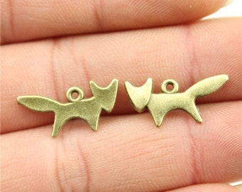 15 Fox Charms, Antique Vintage Bronze Plated Charms (1E-56)