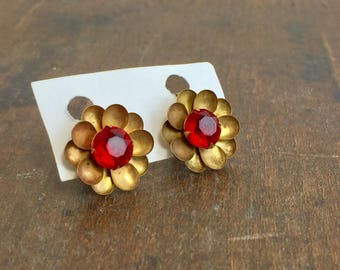 Vintage Earrings with Screw Backs - Gold Tone and Garnet Rhinestone Earrings, Floral Earrings, Screw On Earrings, Gold and Garnet Earrings