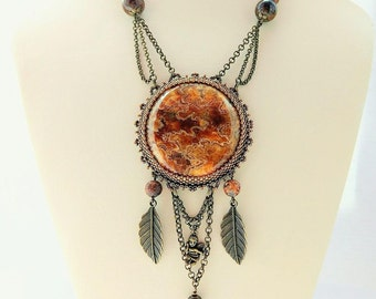 Necklace with ammonite calcite