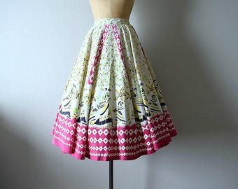 1950s circle skirt . vintage novelty print skirt . 50s skirt