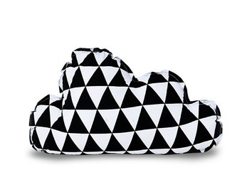 Pillow – Cloud Triangles black
