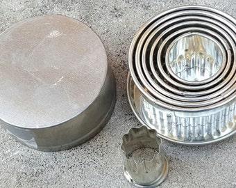 Vintage Italian Round Fluted Cutter Set 7 pcs