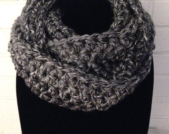 Knit Chunky Infinity Scarf Cowl Black Gray Crochet