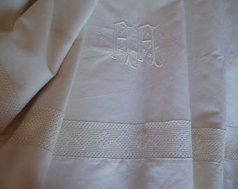 Vintage sheet with large Monogram and entredeux