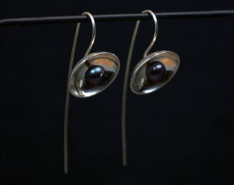 Silver & Black Pearl Threader Earrings - Flower Earrings - Sterling Silver - Handmade Earrings